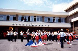 紋別地区消防本部前でドリル演奏(北海道)要望があれば可能な限り期待に応えます