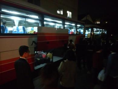 今のバスはスーザが縦置きできるんです